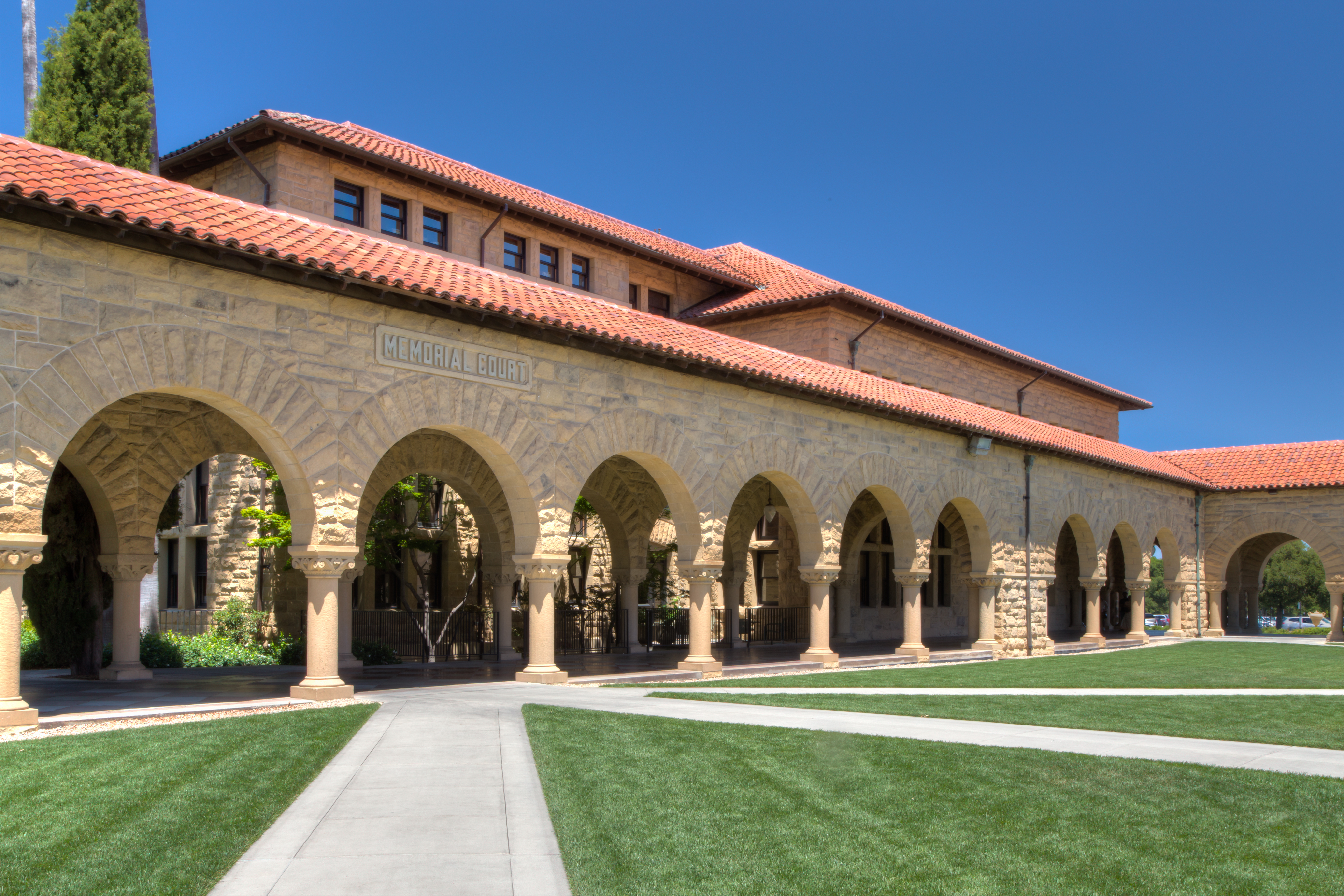 Stanford Graduate School of Business launches first UK-based