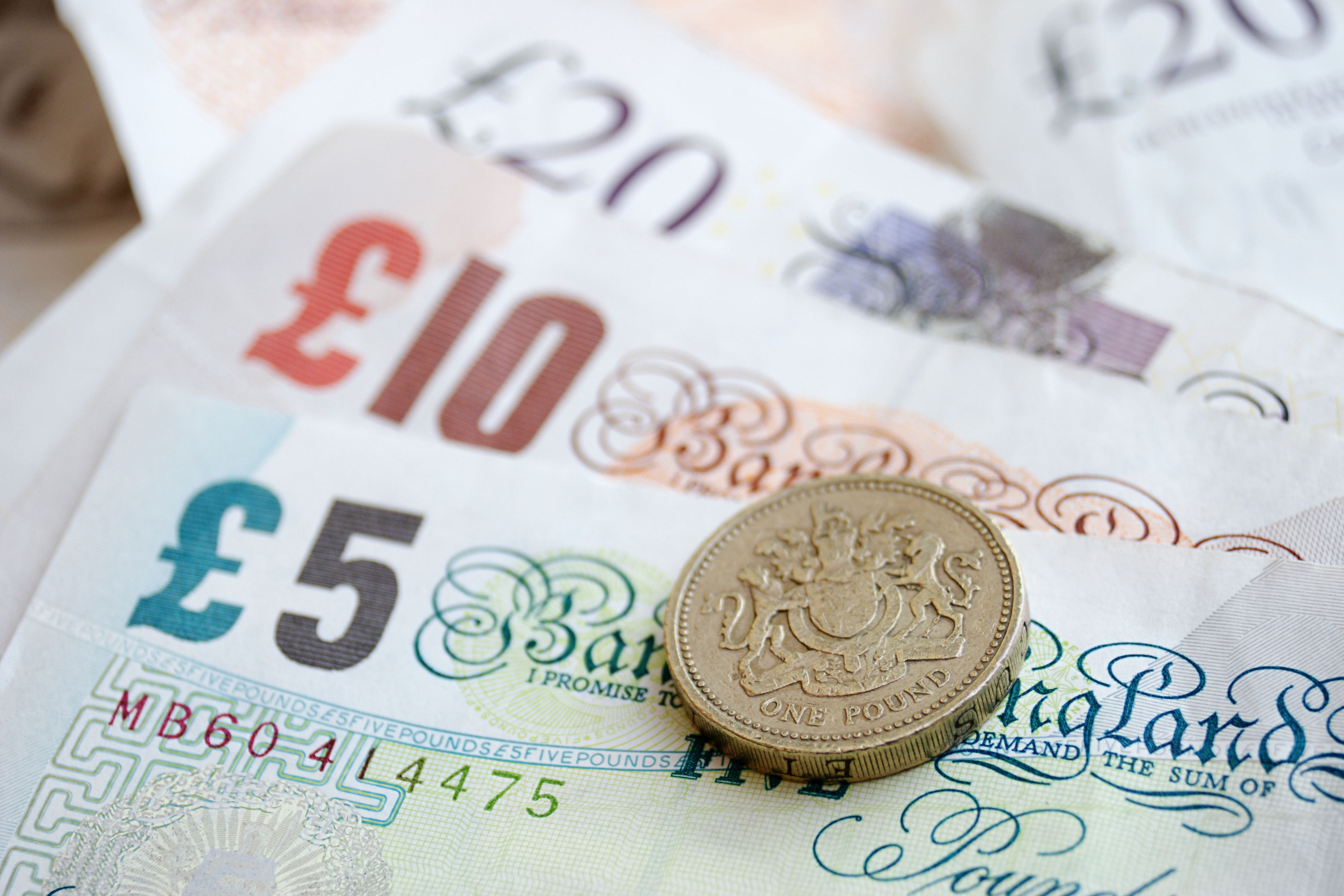 Businesses urged to get plans for currency risk in 2017