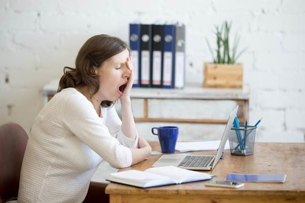 Lack of sleep and poor productivity at work costs the UK